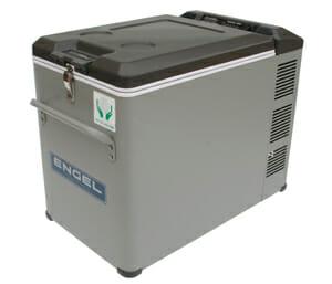 Portable refrigerator / freezer